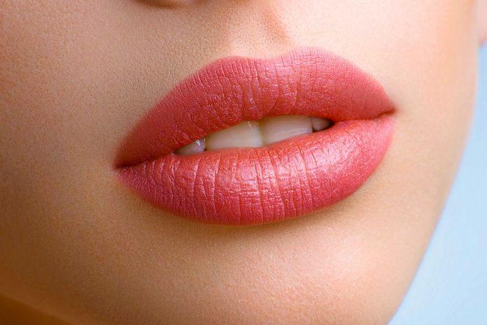 sobre el relleno de labios